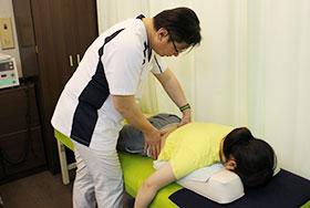 腰痛・ギックリ腰治療の風景